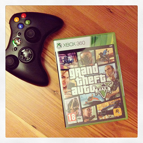 Jogo GTA 5 e comando XBOX